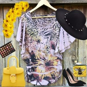 Dressy Top with Sunflowers Design 🌻